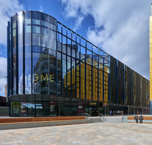 The independent film hub and visual arts centre features 51 units of Reynaers Curtain-Walling installed by Prater