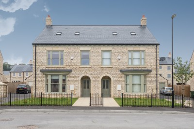 Example installations of CUPA PIZARRAS' CUPA 12 natural slate roof tiles