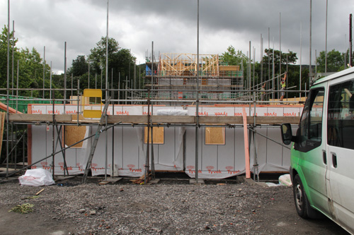 A new build residential project in Aberdare features timber engineering by Fforest Timber and is wrapped in new DuPont Tyvek StructureGuard to protect the structure during the build, and enhance performance once occupied