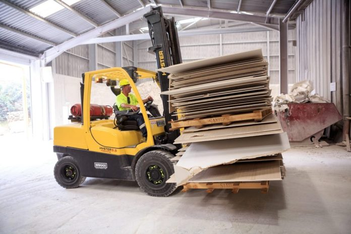Since 2016, Etex has increased the quantity of recycled plasterboard in its products from 3.4% to a total of 18.4%, surpassing the 10% target set by the sector for 2020